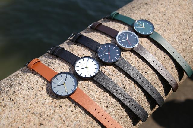 高級腕時計の文字盤人気色には深い意味がある